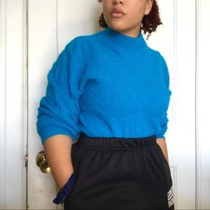 vibrant ocean-blue sweater with a high neck!🦋🌎
